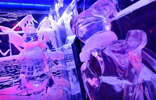 Ice sculptures decorate the interior of the Minus5 Ice Bar in The Shoppes at Mandalay Place at 3930 Las Vegas Blvd. S. on Friday, Feb. 5, 2016. Bill Hughes/Las Vegas Review-Journal
