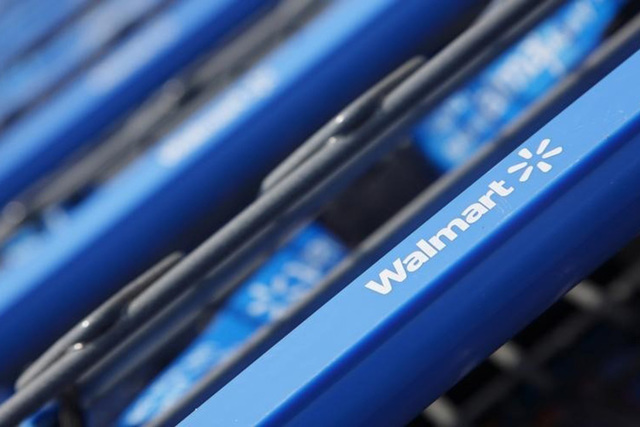 John Gress/Files/Reuters Wal-mart Stores Inc. will offer J.P. Morgan Chase & Co.'s Chase Pay, a closed-loop network as a way for shoppers to pay for things on Walmart.com and in the Wal-mart ...