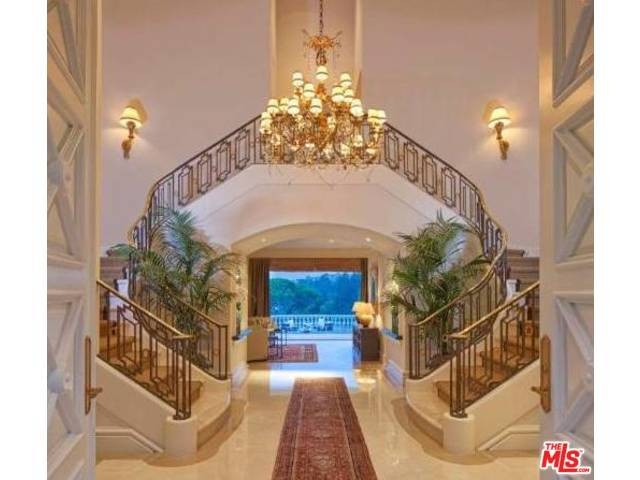 Steve Wynn reportedly is offering his Bel Air mansion for sale at $17.45 million. (Courtesy)