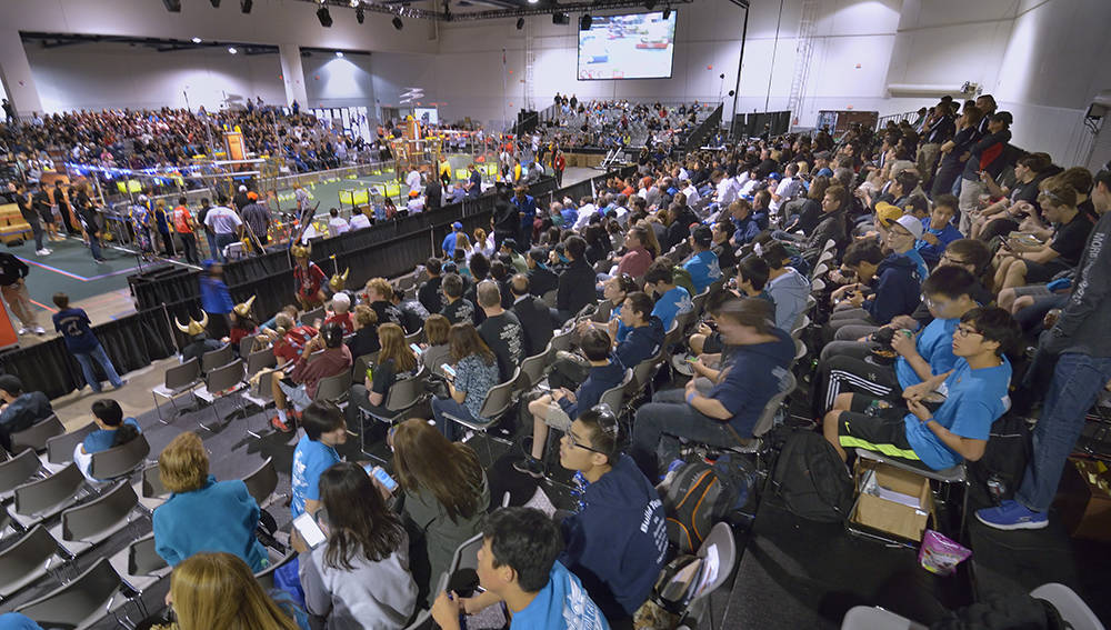 A crowd watches the FIRST Robotics regional competition. (Bill Hughes/Las Vegas Business Press)