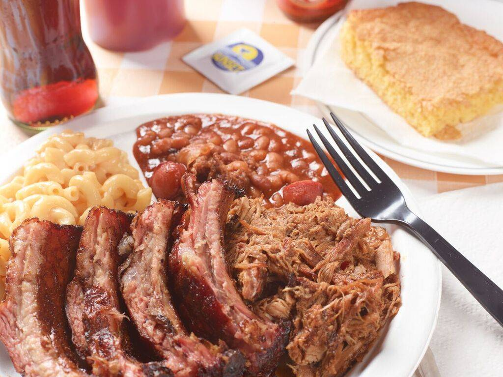 Pork ribs and sides at Tennesseasonings. Courtesy.