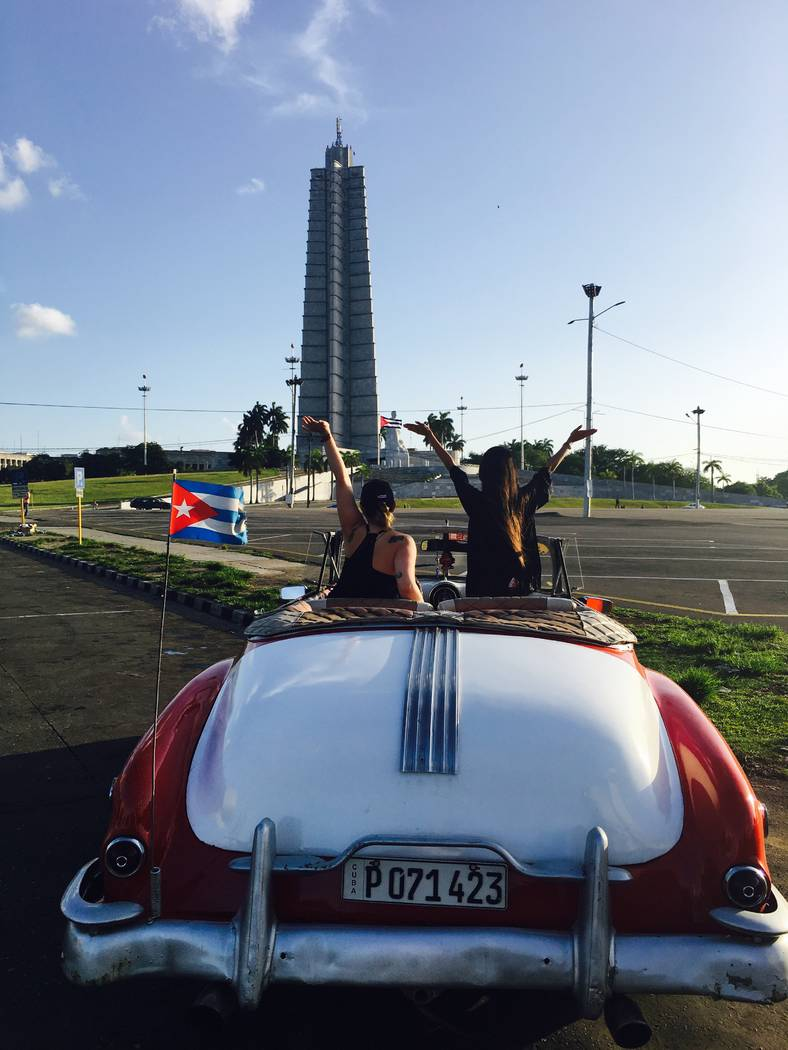 UNLV student Katelyn Putman, left, and Jailene Vazquez at Revolution Square in Cuba. (Anthony Guttman/UNLV student)