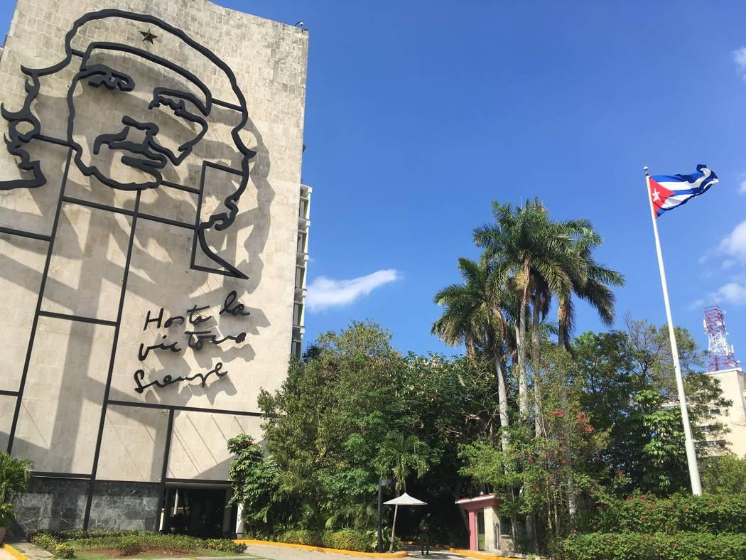 Che Guevara artwork across from Revolution Square. (Anthony Guttman/UNLV student)
