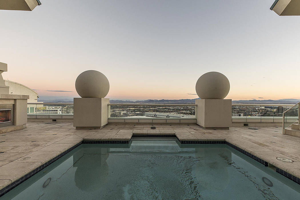 This high-rise unit in Turnberry Place has its own private rooftop pool. (Shapiro & Sher Group)