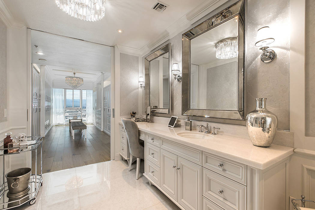 This Panorama Towers condo features a master bath. (Shapiro & Sher Group)