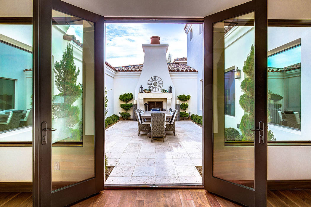 This home in Southern Highlands features an outdoor dining area. (Shapiro & Sher Group)