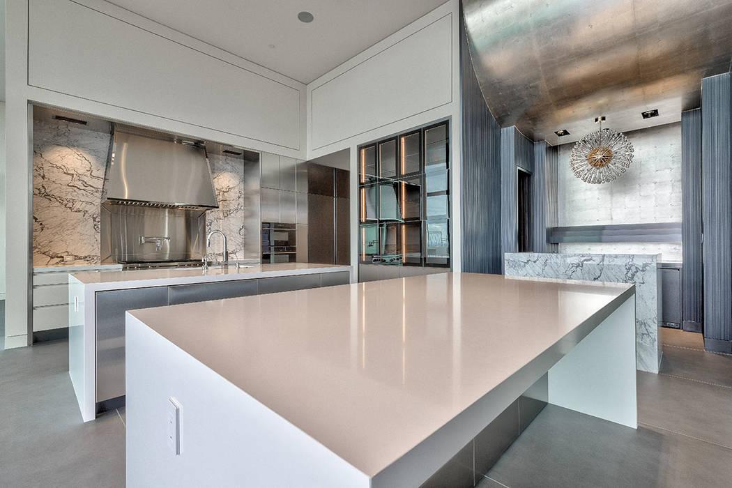 The kitchen. (Hoogland Architecture)