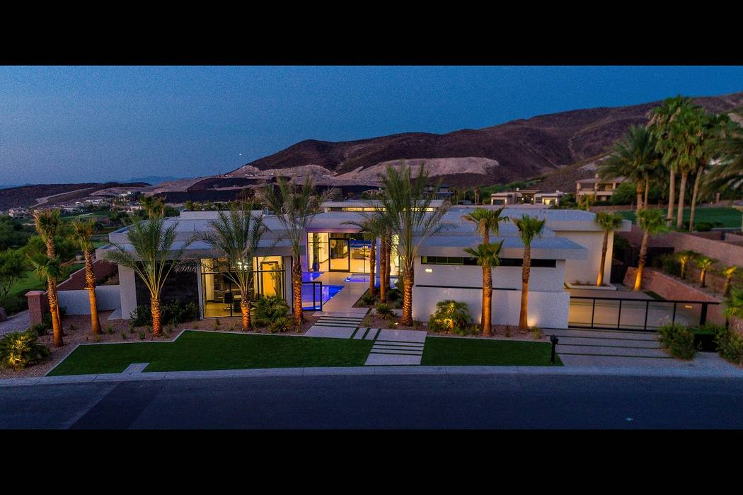 Serenity in MacDonald Highlands by Sun West Custom Homes won several Silver Nugget Awards this year. (Sun West Custom Homes)