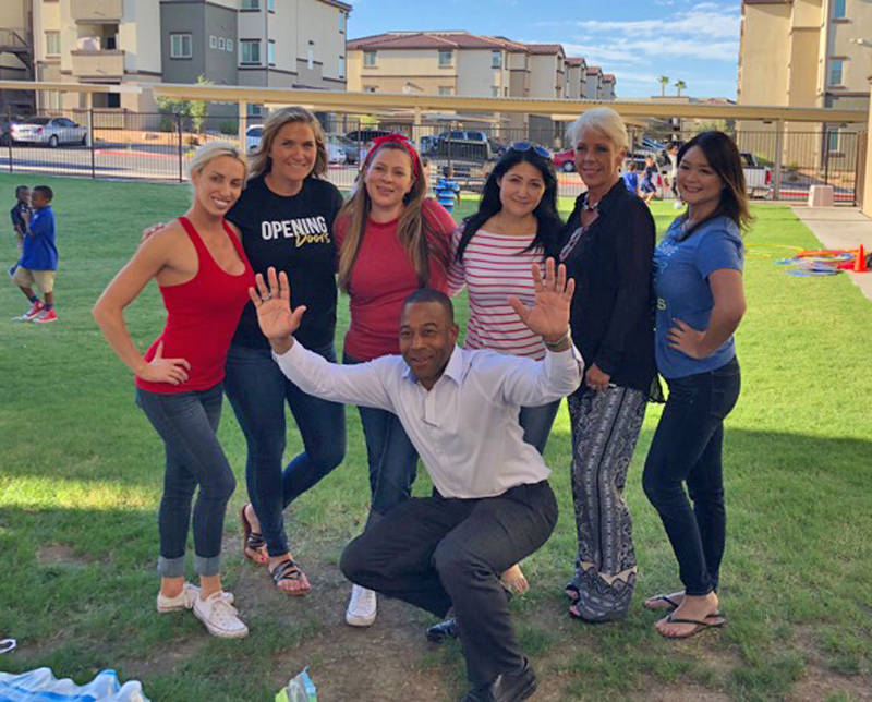 From left, Las Vegas Realtors Erin Green, Christina Chipman, Christina Cova-Simmons, Yared Rivera, Victoria Beaupre, Rexalynn Walberg and Bedford Jackson, center, were among those volunteering Sep ...