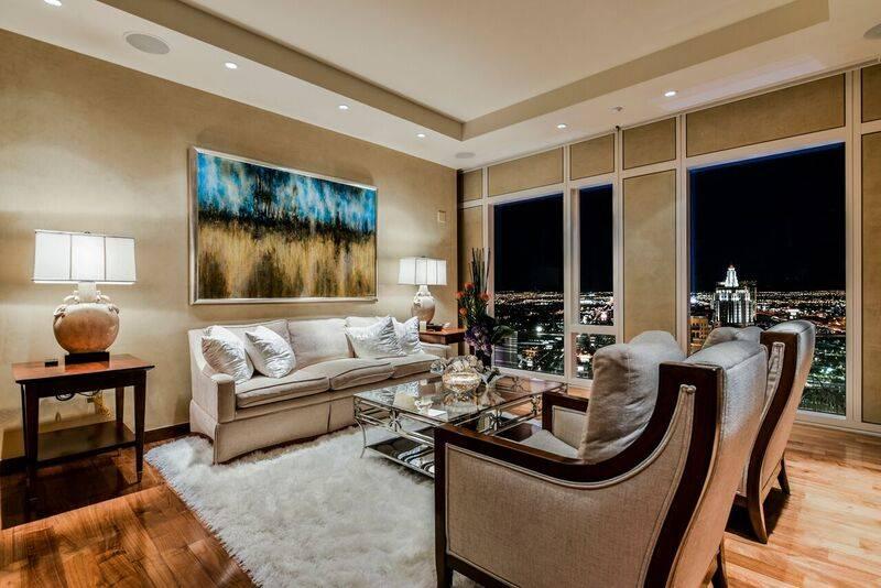 The Waldorf Astoria unit No. 4002 has views of the Strip. (Waldorf Astoria)