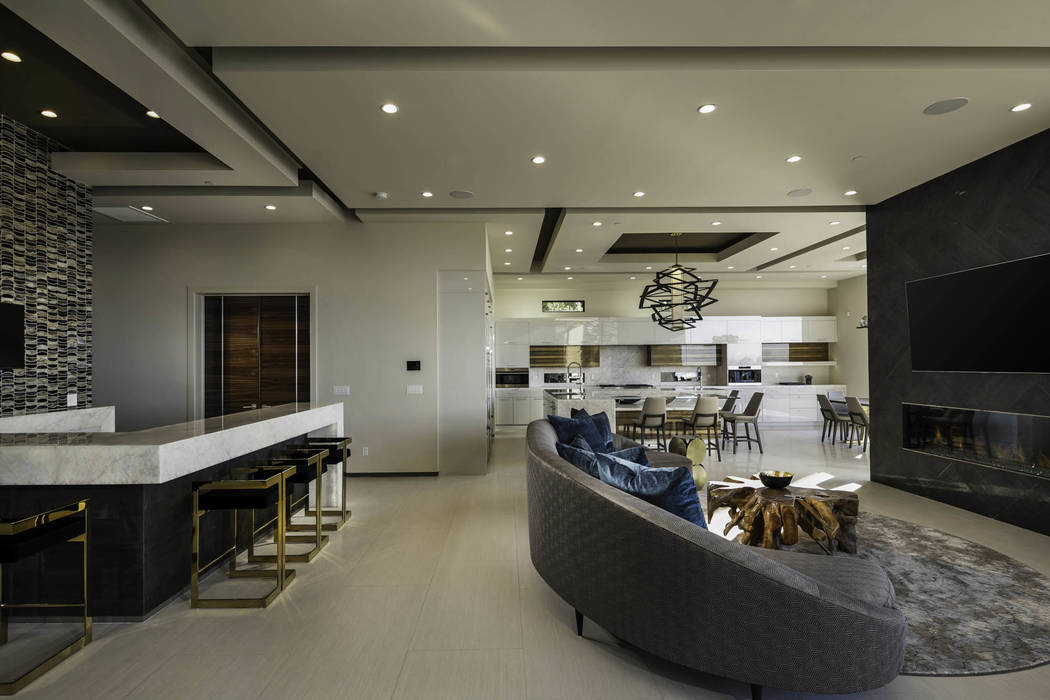 This home shows off the popular contemporary desert design. (Jennifer Sher Interior Design)