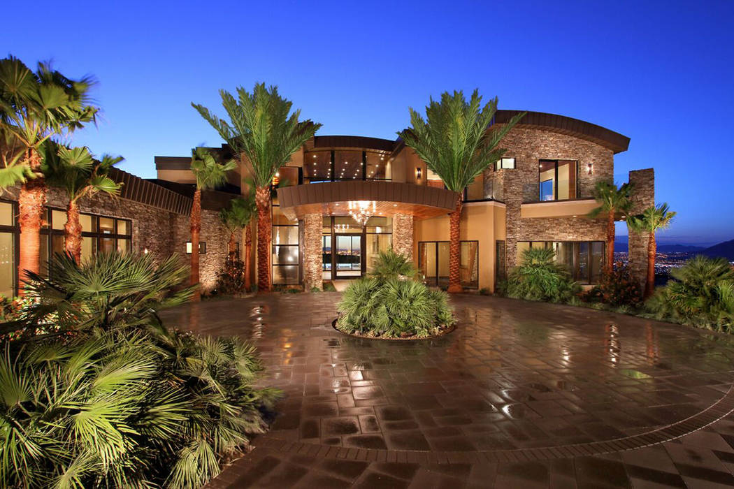 731 Dragon Ridge Drive in MacDonald Highlands sold for $7.75M. (Sun West Custom Homes)