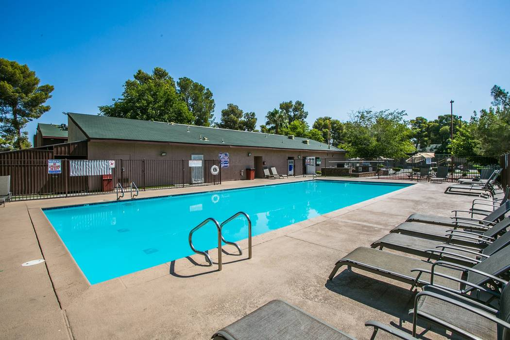 Evergreen Apartments features two pools, barbecue and picnic areas, fitness facility, business center, playground and on-site laundry facilities.