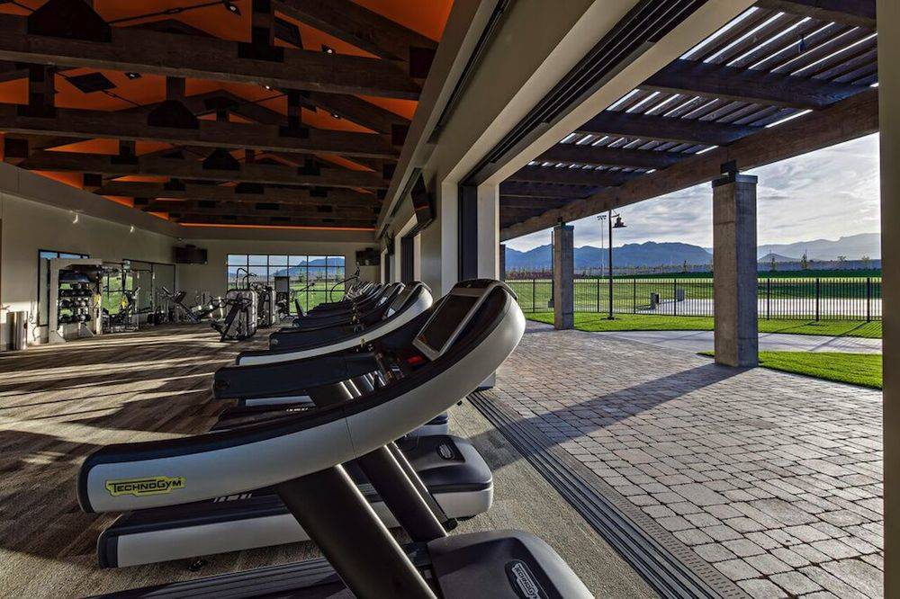 Skye Canyon features a clubhouse and a gym. (Skye Canyon)
