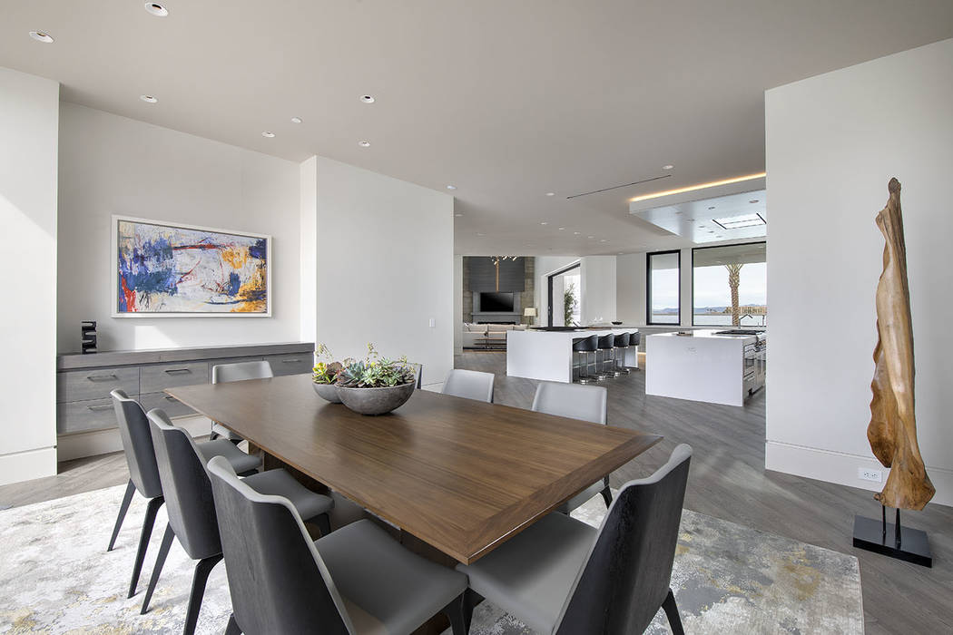 The dining room. (Synergy/Sotheby's International Realty)