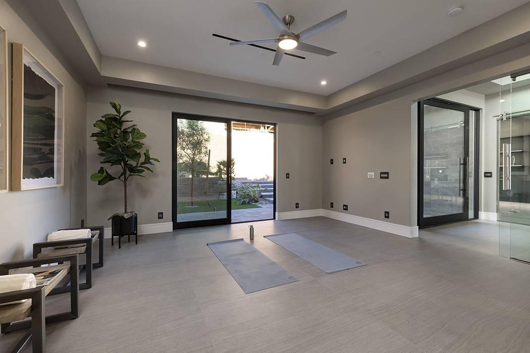The meditation/yoga room. (Synergy|Sotheby's International Realty)