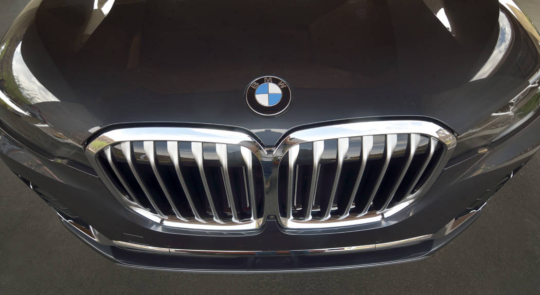 The front end of a 2019 BMW X7 xDrive 40i. (Bill Hughes/Las Vegas Business Press)