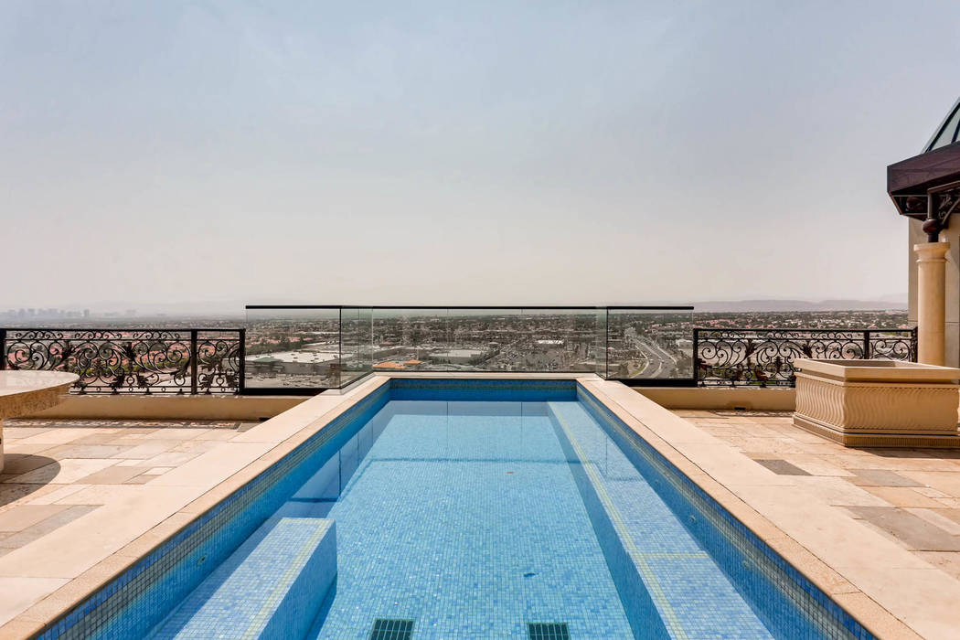 The penthouse has its own swimming pool. (Char Luxury Real Estate)