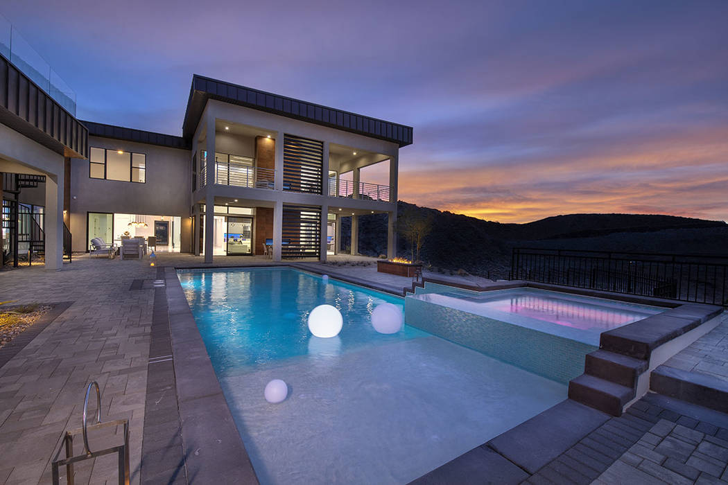 The pool and spa. (Synergy Sotheby's International Realty)
