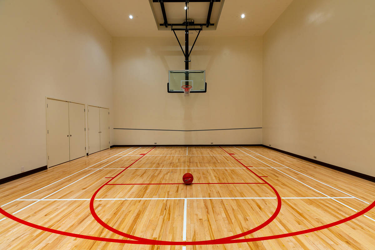 Former MGM Resorts International Chairman and CEO Jim Murren's home has a half basketball court ...