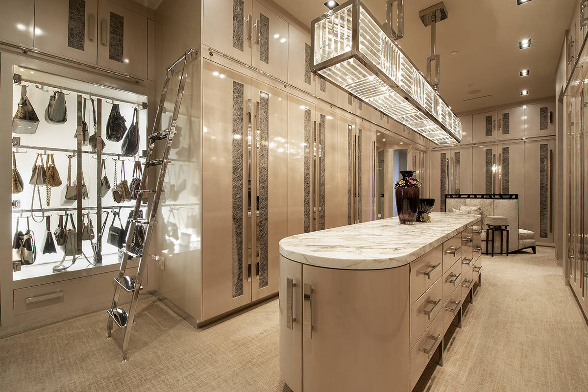 The master closet. (Synergy Sotheby's International Realty)