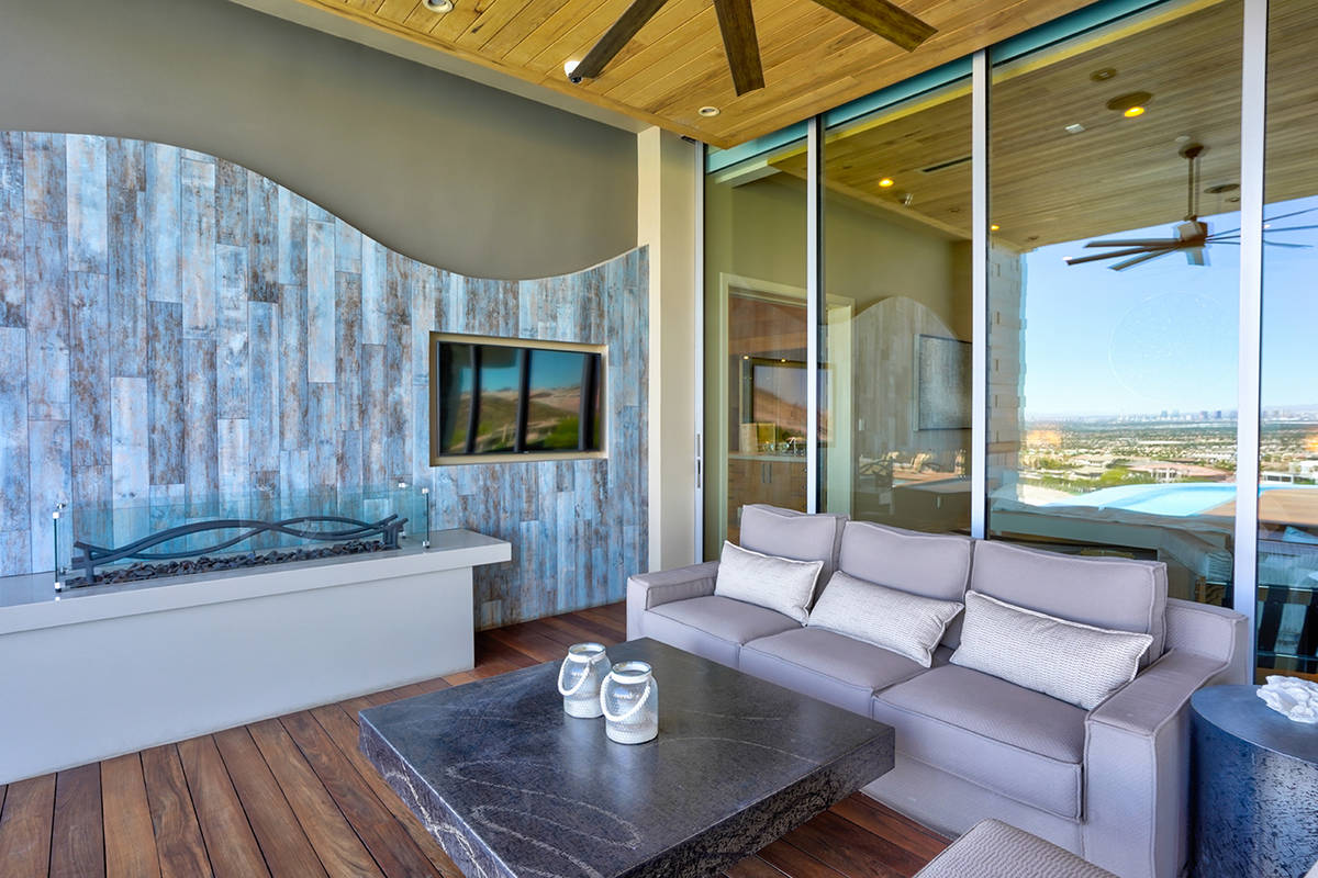 There are lots of gathering areas. (Sun West Custom Homes)