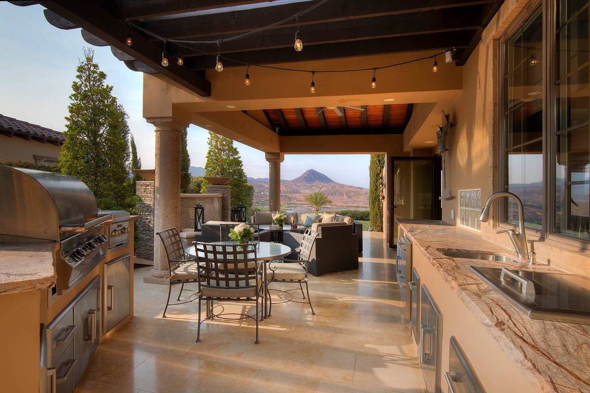 Patio. (Synergy Sotheby's International Realty)