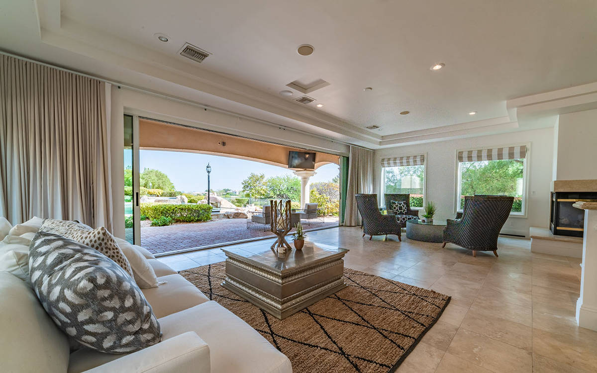 Basketball player DeMarcus Cousins spent $1 million renovating the home. (Luxurious Real Estate)
