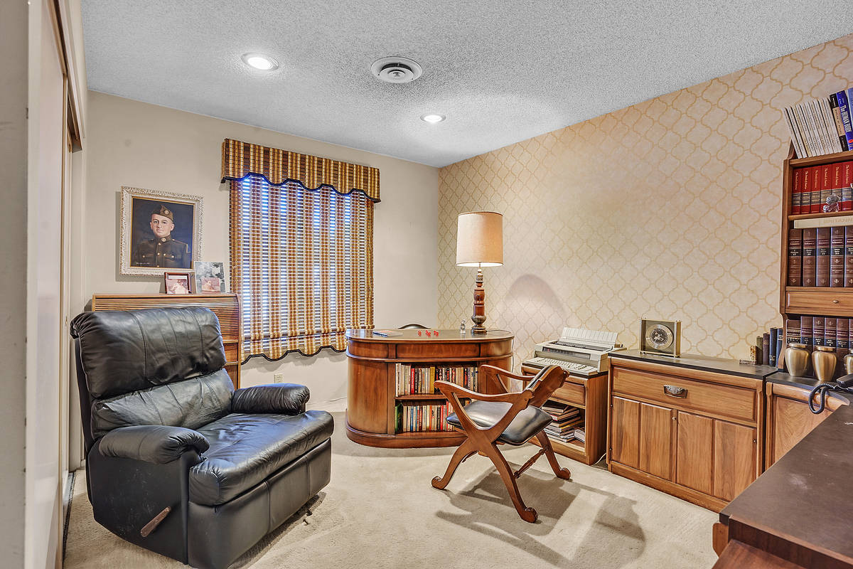 An office. (Coldwell Banker Premier Realty)