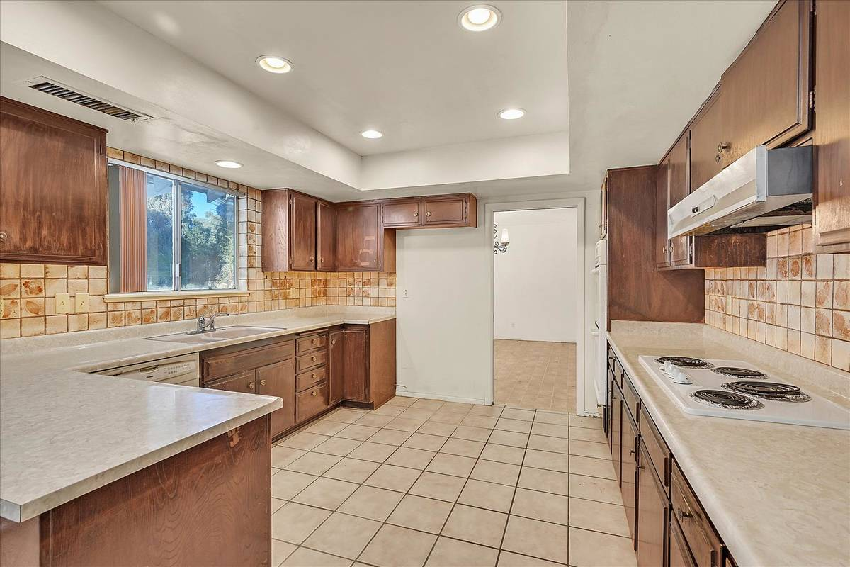 The kitchen. (Coldwell Banker Premier Realty)
