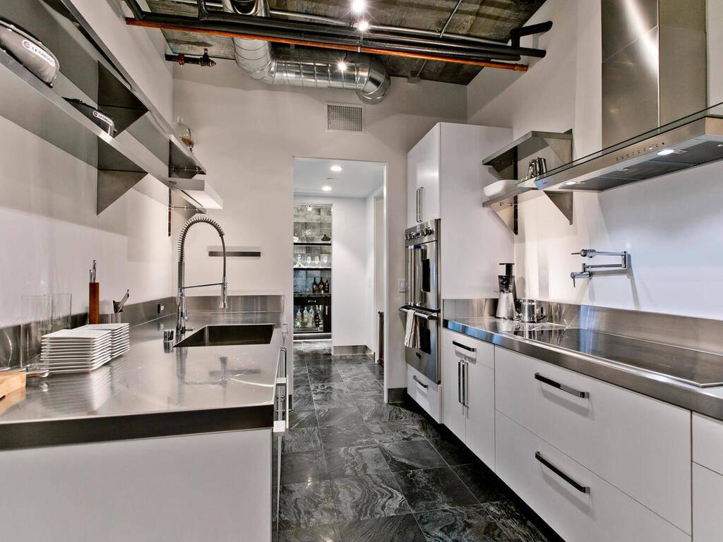 The kitchen. (Elite Realty)