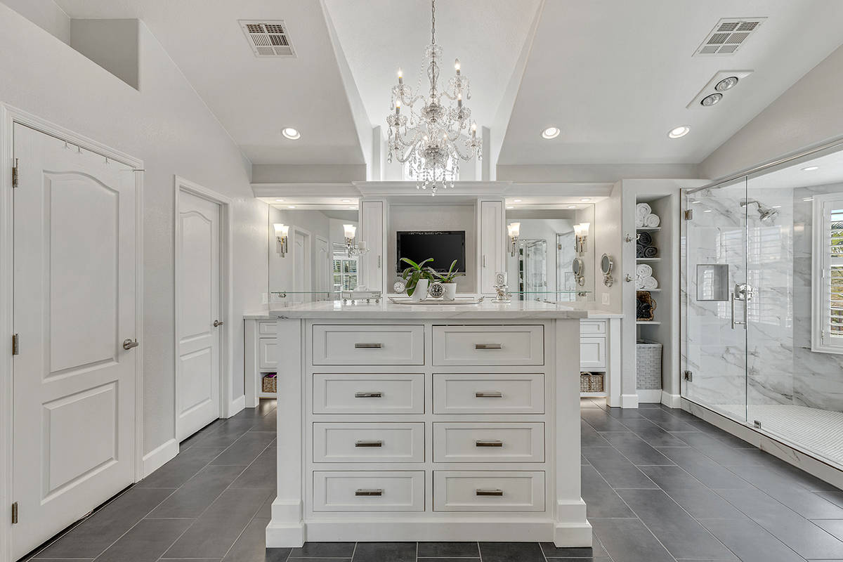 Experts say Las Vegas luxury homebuyers are seeking bigger spaces and more resort-style ameniti ...