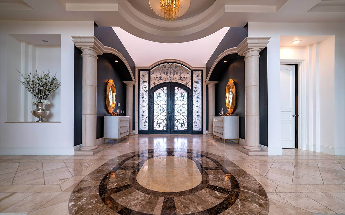 The entrance at 9511 Kings Gate Court. (Luxurious Real Estate)