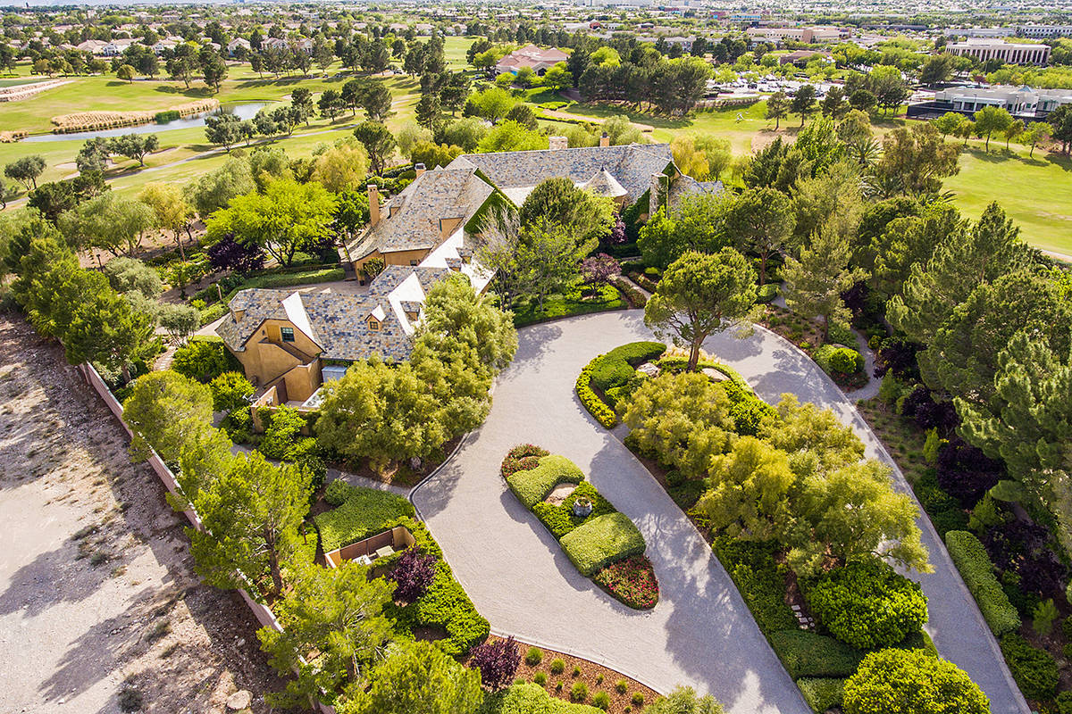 The home sits on 2.6 acres. (The Ivan Sher Group)