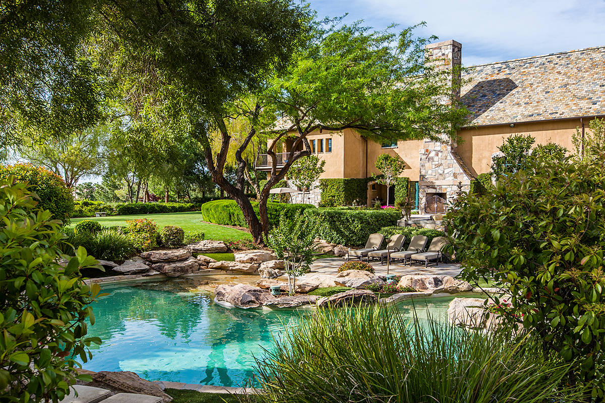 The Ivan Sher Group The Enclave Court home in Summerlin sits on 18th fairway at TPC Summerlin.