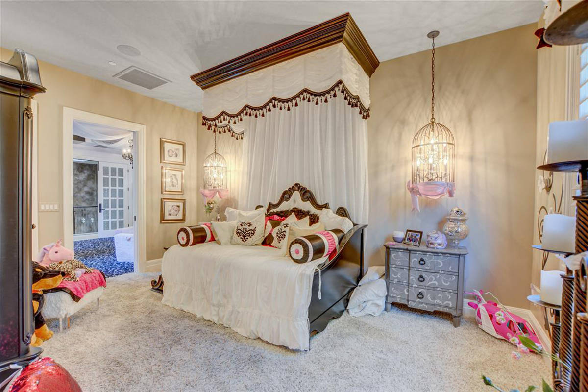 A child's bedroom. (Keller Williams)