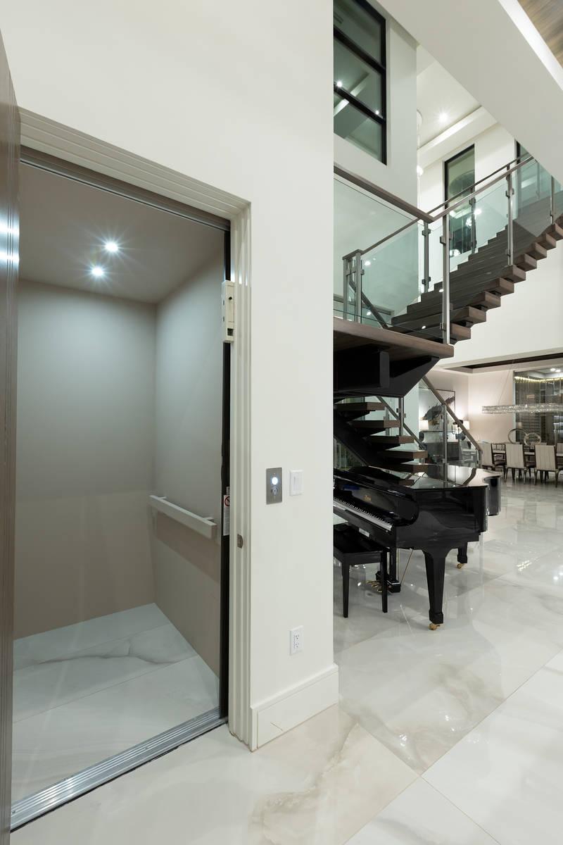 The elevator. (Kristen Routh-Silberman)