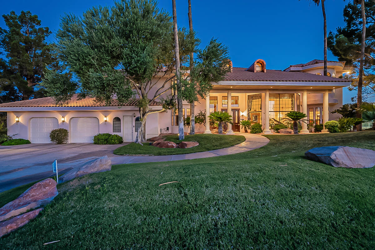 Linda and Nield Montgomery purchased a 2-acre equestrian property, 8825 W. La Madre Way in nort ...