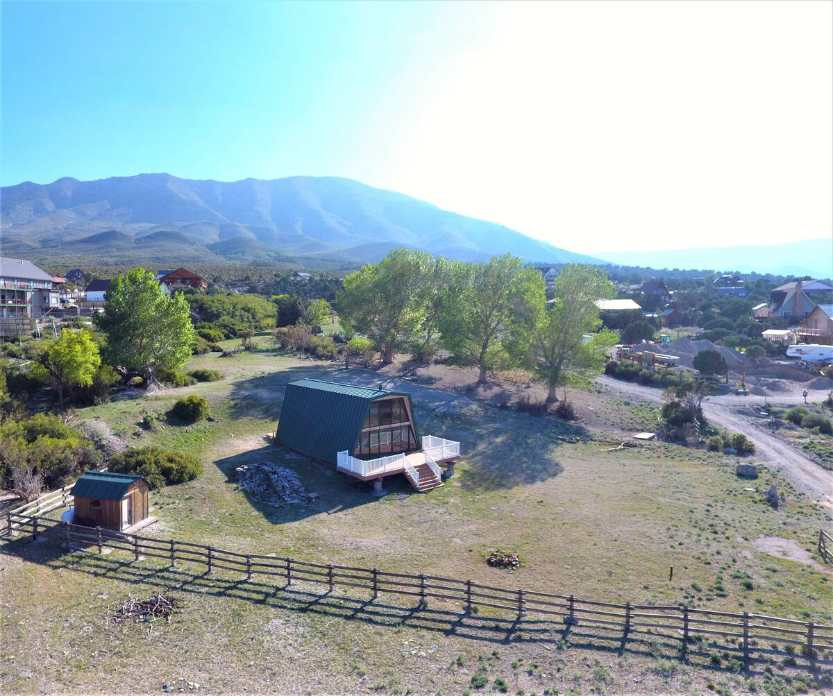 This 1.36-acre property is in the off-the-grid community of Cold Creek subdivision in the Toiya ...